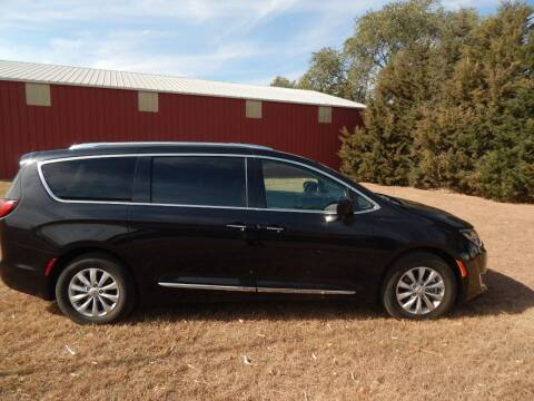 2018 Chrysler Pacifica for sale at Wheels Unlimited in Smith Center KS