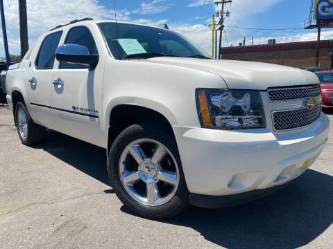 2013 Chevrolet Avalanche for sale at New Wave Auto Brokers & Sales in Denver CO