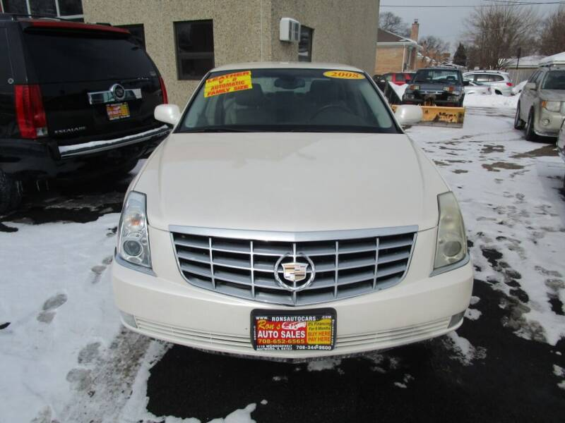 2008 Cadillac DTS for sale at RON'S AUTO SALES INC in Cicero IL
