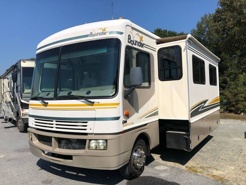 2003 Fleetwood Bounder 35R for sale at S & M WHEELESTATE SALES INC - Class A in Princeton NC