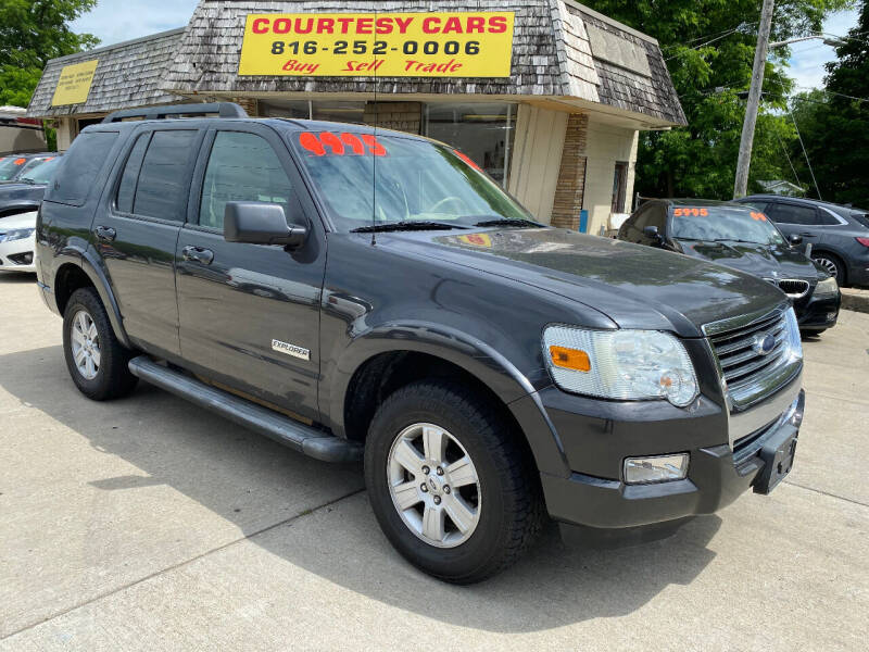 2007 Ford Explorer for sale at Courtesy Cars in Independence MO