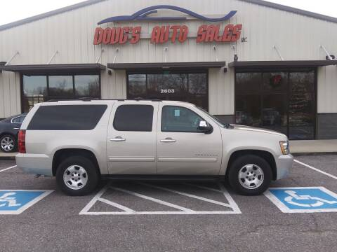 2014 Chevrolet Suburban for sale at DOUG'S AUTO SALES INC in Pleasant View TN