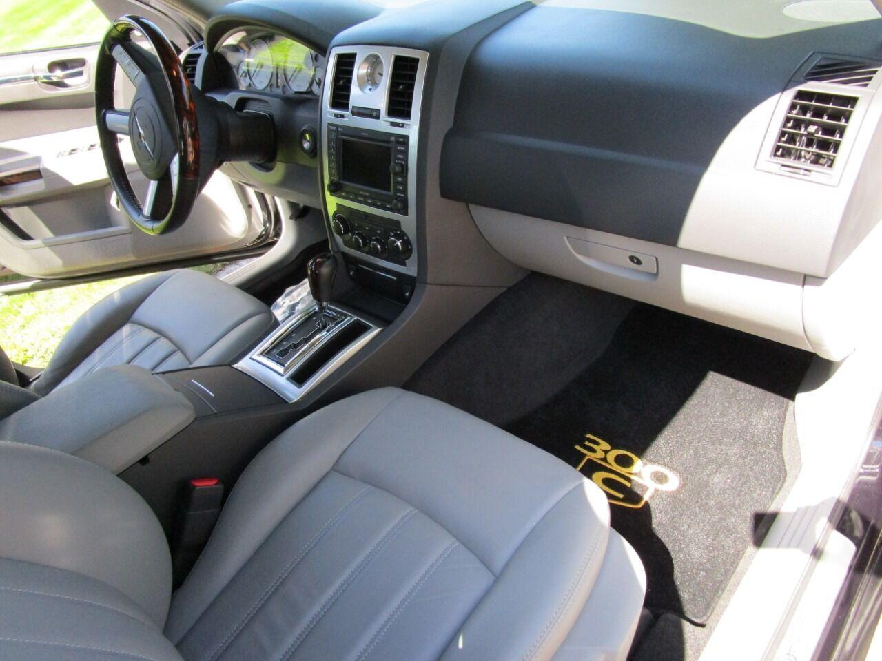 2006 Chrysler 300 72
