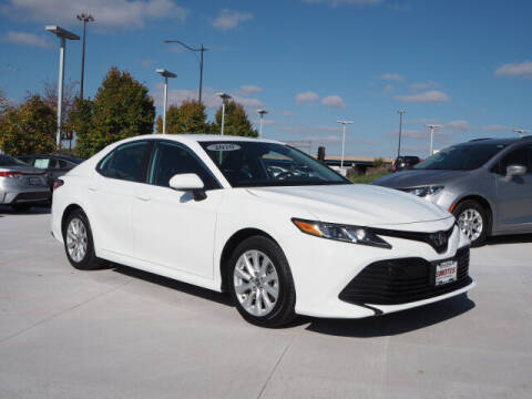 2020 Toyota Camry for sale at SIMOTES MOTORS in Minooka IL