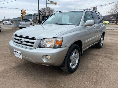 2005 Toyota Highlander for sale at Toy Box Auto Sales LLC in La Crosse WI