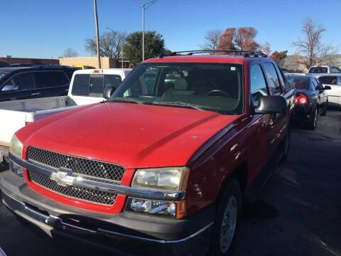 2004 Chevrolet Avalanche for sale at A & G Auto Sales in Lawton OK