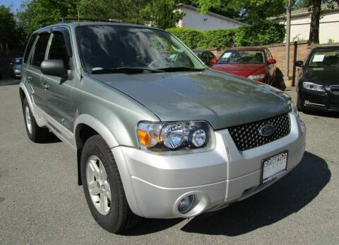 2006 Ford Escape Hybrid for sale at Direct Auto Access in Germantown MD