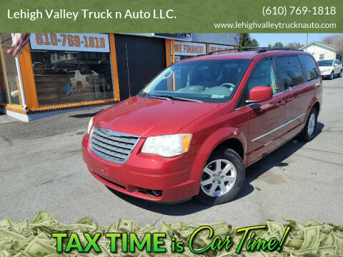 2009 Chrysler Town and Country for sale at Lehigh Valley Truck n Auto LLC. in Schnecksville PA