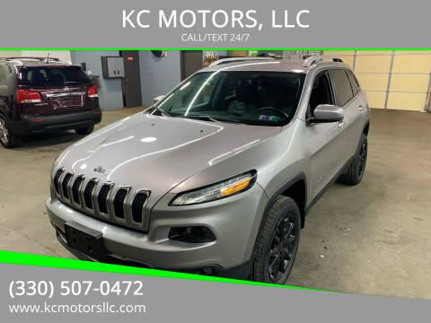 2017 Jeep Cherokee for sale at KC MOTORS, LLC in Boardman OH