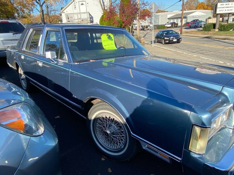 1985 Lincoln Town Car for sale in West Warwick, RI