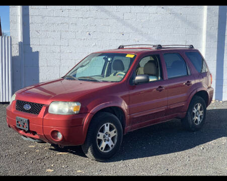 2005 Ford Escape for sale at CRS 1 LLC in Lakewood NJ