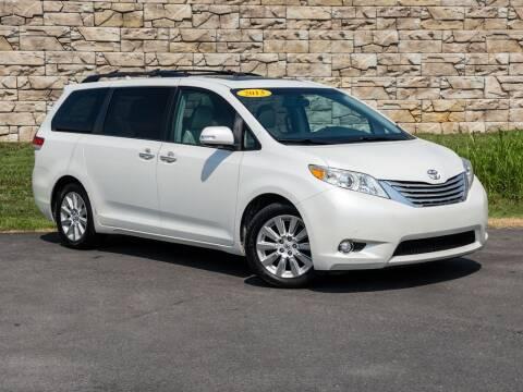 2013 Toyota Sienna for sale at Car Hunters LLC in Mount Juliet TN