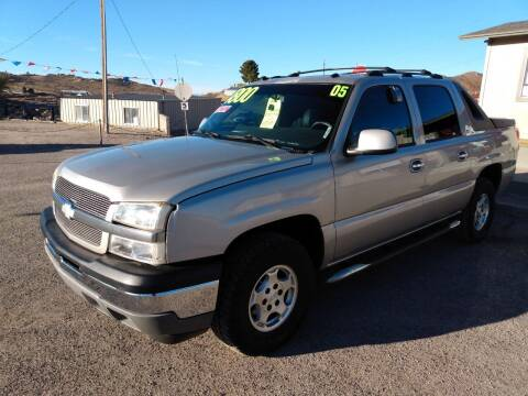 2005 Chevrolet Avalanche for sale at Hilltop Motors in Globe AZ