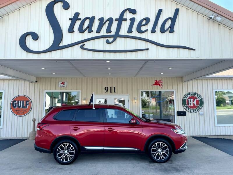 2017 Mitsubishi Outlander for sale at Stanfield Auto Sales in Greenfield IN