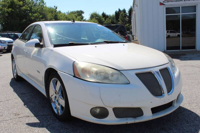 2008 Pontiac G6 for sale at UpCountry Motors in Taylors SC
