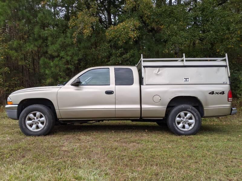 2003 Dodge Dakota for sale at Harris Motors Inc in Saluda VA