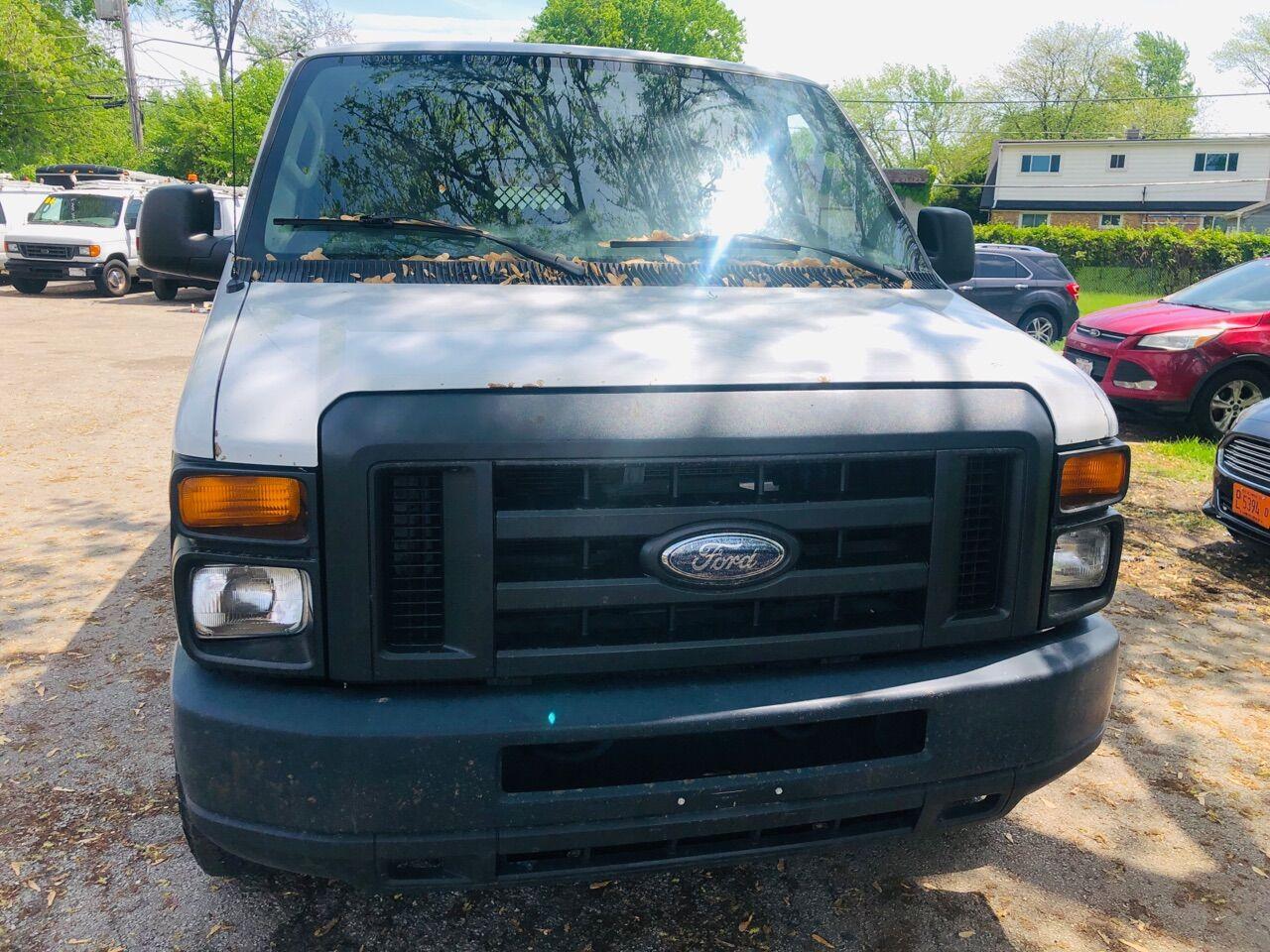 White 2012 FORD E-SERIES CARGO for sale in Bridgeview, IL Photo 4
