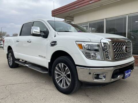2017 Nissan Titan for sale at Choice Auto in Carroll IA