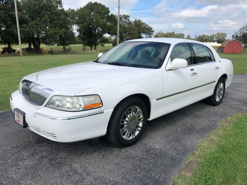 2009 Lincoln Town Car for sale at Champion Motorcars in Springdale AR