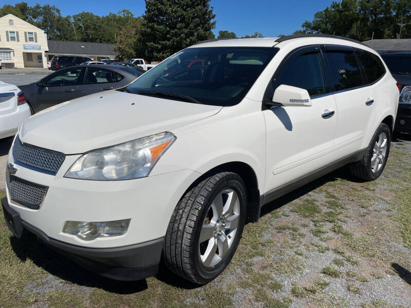 2012 Chevrolet Traverse for sale at LAURINBURG AUTO SALES in Laurinburg NC