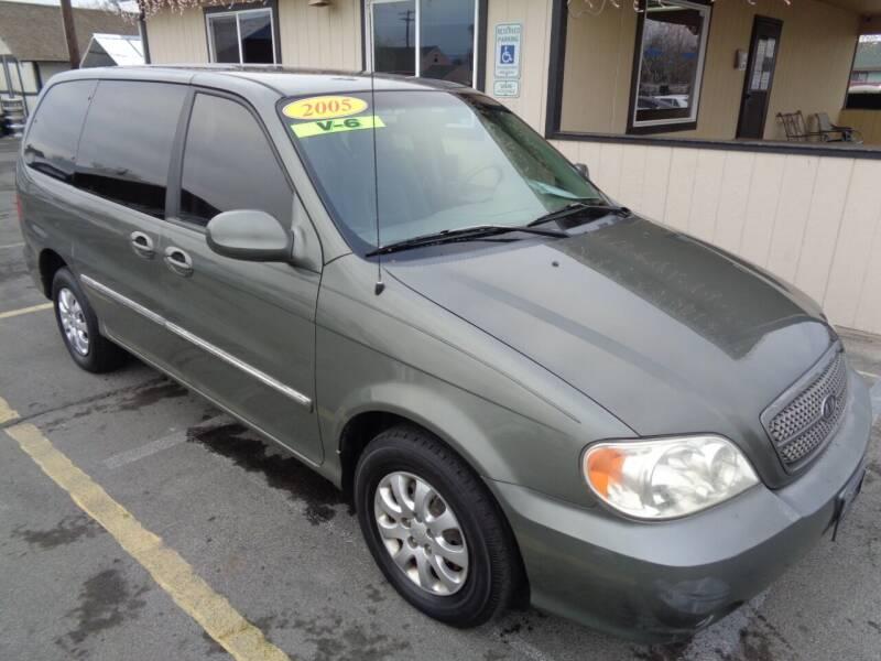 2005 Kia Sedona for sale at BBL Auto Sales in Yakima WA