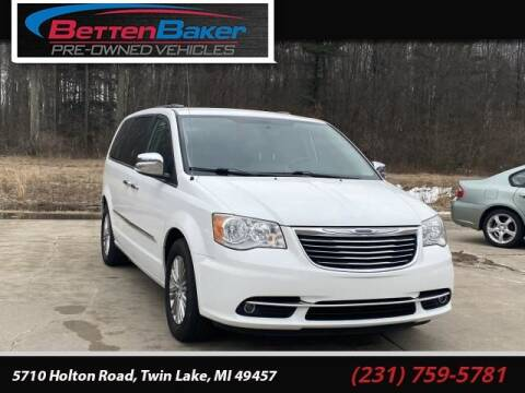 2015 Chrysler Town and Country for sale at Betten Baker Preowned Center in Twin Lake MI