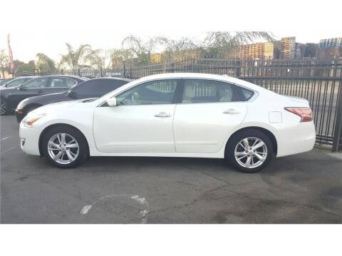 2014 Nissan Altima for sale at KARS R US in Modesto CA