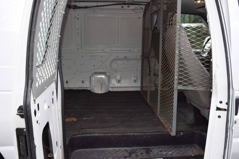 2002 Ford E-Series Cargo E-350 SD 3dr Cargo Van - Waukesha WI