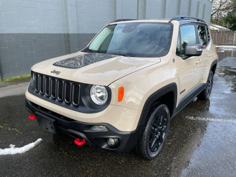 2017 Jeep Renegade for sale at APX Auto Brokers in Lynnwood WA