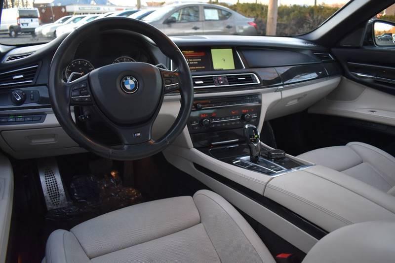 2015 BMW 7 Series 750Li xDrive AWD 4dr Sedan full