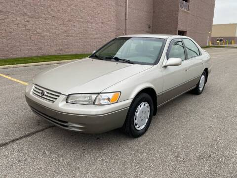1999 Toyota Camry for sale at JE Autoworks LLC in Willoughby OH