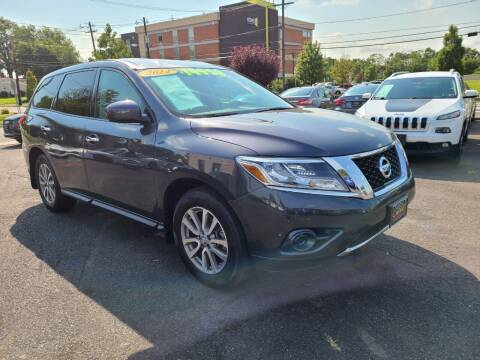 2014 Nissan Pathfinder for sale at Costas Auto Gallery in Rahway NJ