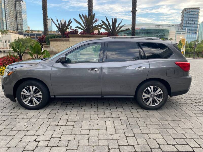 2019 Nissan Pathfinder for sale at CYBER CAR STORE in Tampa FL