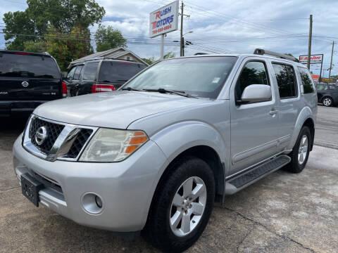 2009 Nissan Pathfinder for sale at Diana Rico LLC in Dalton GA