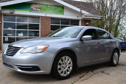 2013 Chrysler 200 for sale at RODRIGUEZ MOTORS LLC in Fredericksburg VA