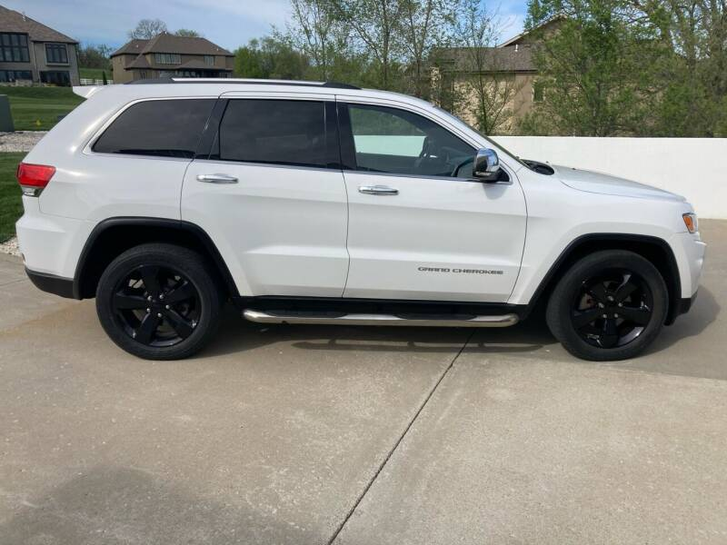 2015 Jeep Grand Cherokee for sale at Car Connections in Kansas City MO