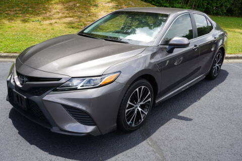 2018 Toyota Camry for sale at Modern Motors - Thomasville INC in Thomasville NC