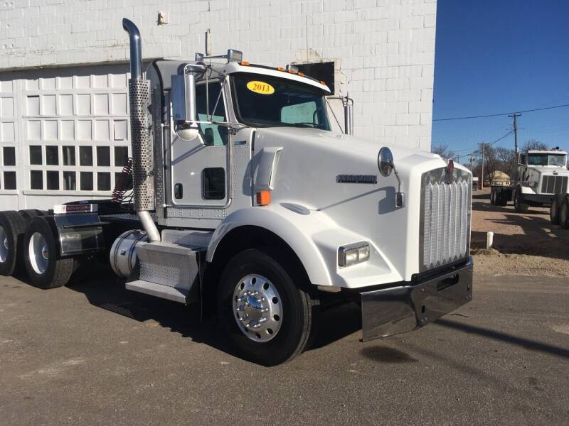 2013 Kenworth T800 for sale at Money Trucks Inc in Hill City KS