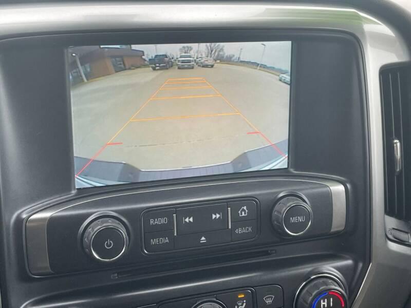 2015 Chevrolet Silverado 1500 4x4 LT Z71 4dr Crew Cab 5.8 ft. SB - Urbandale IA