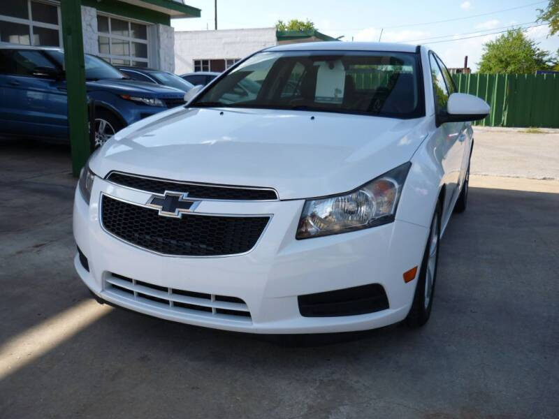 2014 Chevrolet Cruze for sale at Auto Outlet Inc. in Houston TX