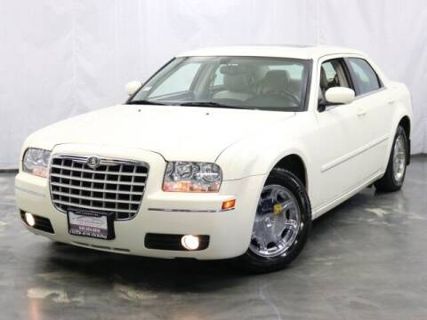 2005 Chrysler 300 for sale at United Auto Exchange in Addison IL