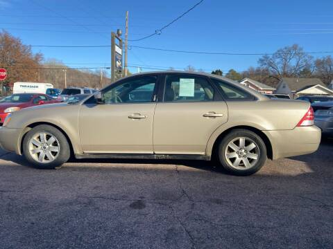 2006 Mercury Montego for sale at RIVERSIDE AUTO SALES in Sioux City IA