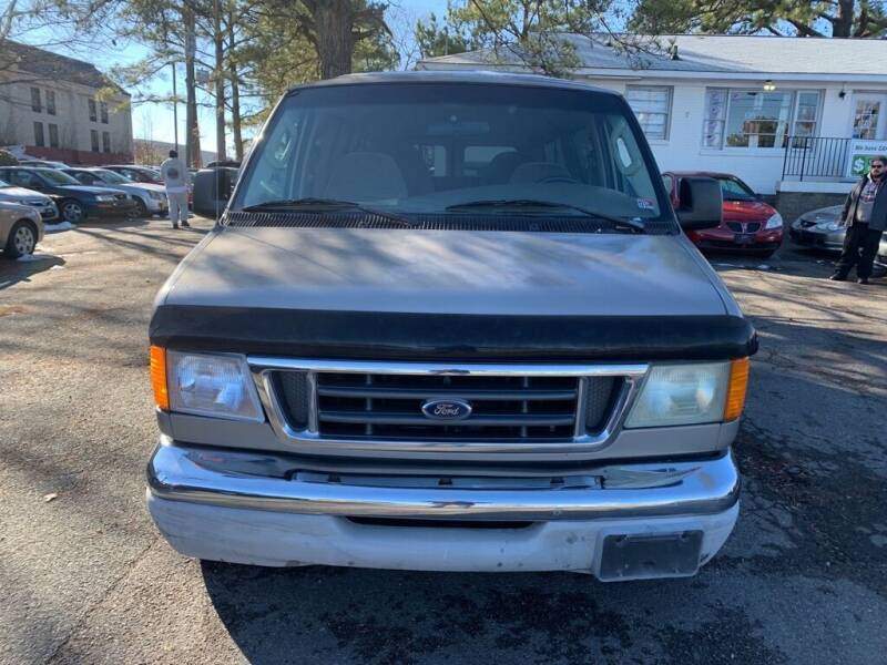 2003 Ford E-Series Wagon for sale at MEEK MOTORS in North Chesterfield VA