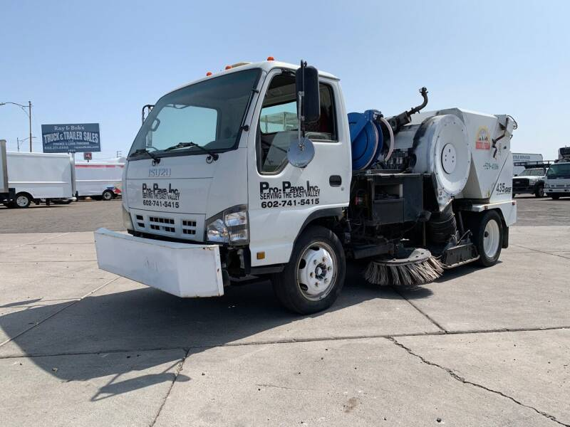 2007 Isuzu NQR for sale at Ray and Bob's Truck & Trailer Sales LLC in Phoenix AZ