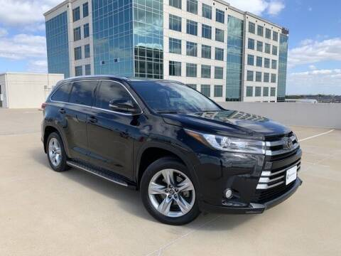 2017 Toyota Highlander for sale at SIGNATURE Sales & Consignment in Austin TX
