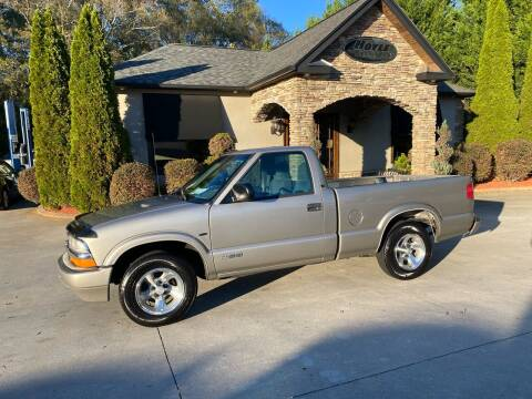 2000 Chevrolet S-10 for sale at Hoyle Auto Sales in Taylorsville NC