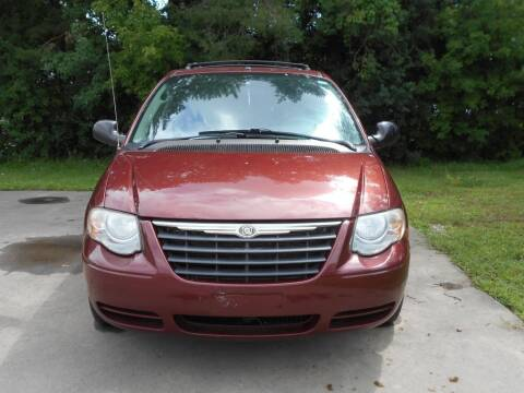 2007 Chrysler Town and Country for sale at MT MORRIS AUTO SALES INC in Mount Morris MI