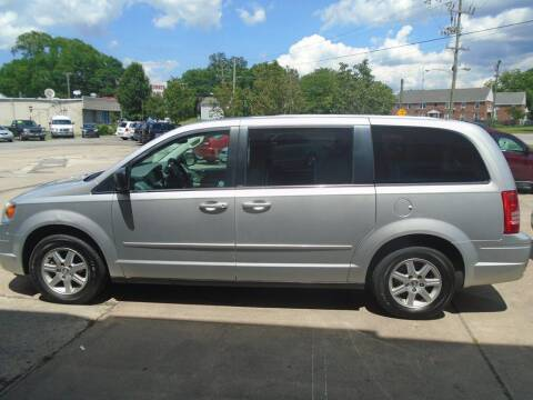 2010 Chrysler Town and Country for sale at Ridetime Auto in Suffolk VA