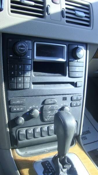 2005 Volvo XC90 AWD V8 4dr SUV - Wichita Falls TX