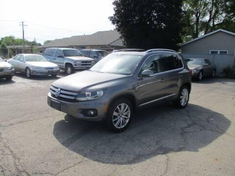 2012 Volkswagen Tiguan for sale at RJ Motors in Plano IL